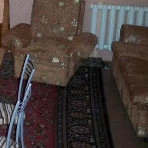 Продам диван (раскладной 2-спальный) и 2 кресла